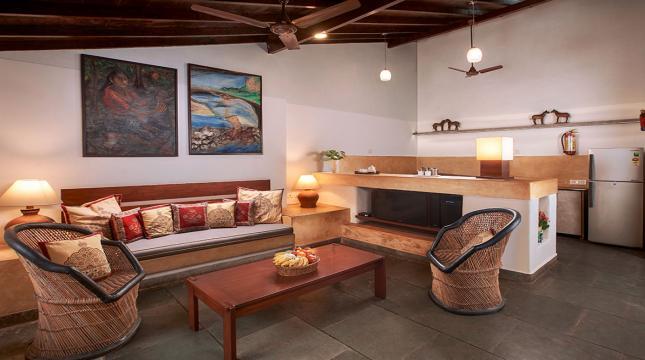 Leo - Sitting room